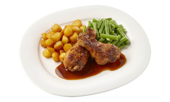 Zoutarm Drumsticks in kippenjus, sperziebonen en gebakken aardappeltjes