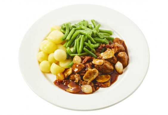 Standaard Varkensstoofpotje met sperziebonen en gekookte krieltjes
