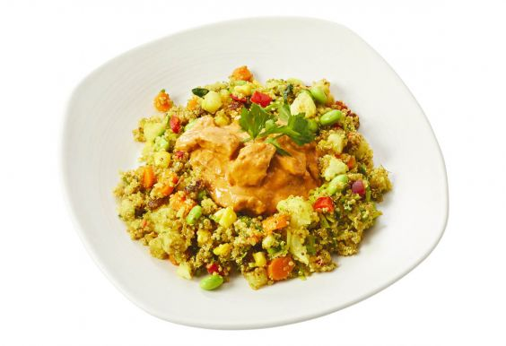 Standaard Vegetarische tandoori met volkoren quinoa-groenteschotel
