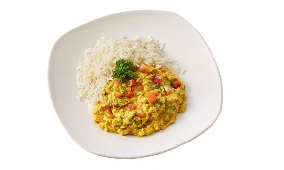 Gemalen Rode linzencurry met witte rijst