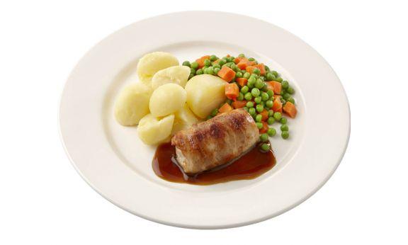 Gemalen Slavink met jus, doperwtjes-worteltjes en gekookte aardappelen