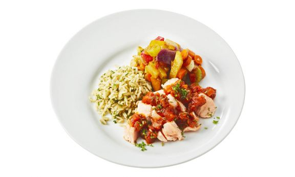 Standaard Zalm met tomaten-venkelsalsa, groentemix en gekruide zilvervliesrijst
