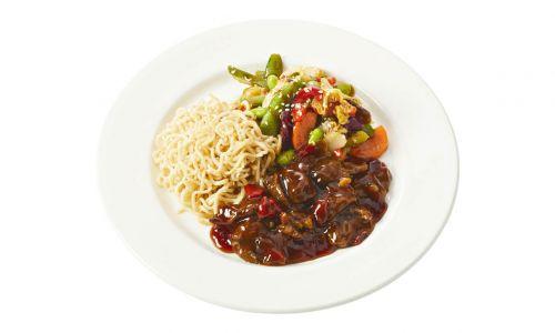 Standaard Beef teriyaki met groenten chow mein en volkoren noodles
