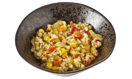 Bulgursalade met maïs, venkel en quinoa