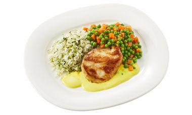 Kipkerrie met doperwtjes-worteltjes en gekruide rijst